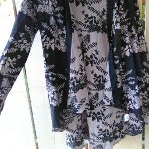 Charcoal lavende floral drapey wrap cardigan